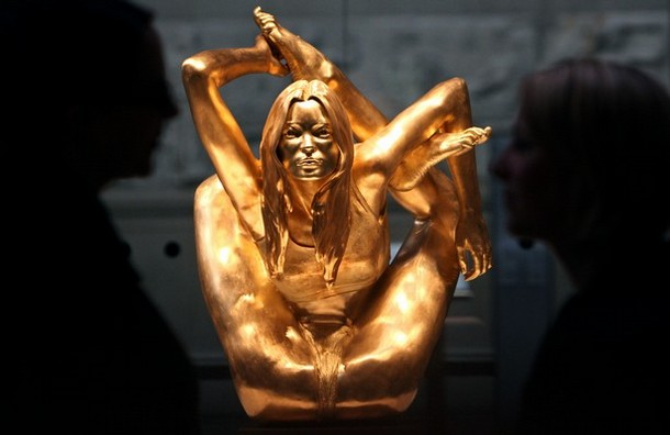 BRITAIN-ENT-ART-SCULPTURE-KATE MOSS